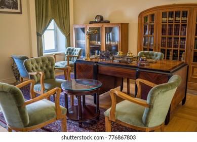 antique room design