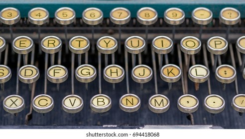 Antique typewriter and keys