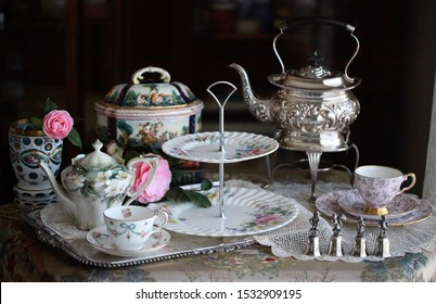 Antique vintage afternoon tea party silver bone China cup saucer display decoration collection