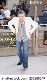"""Antonio Banderas at the Los Angeles Premiere of """"Puss In Boots"""" held at the Regency Village Theater in Westwood, California, United States on October 23, 2011."""