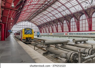 ANTWERP, BELGIUM - AUG 14: Train ready for departure at Antwerp Central station on August 14, 2015 in Antwerp, Belgium