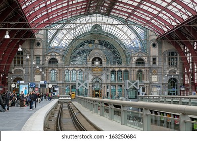 ANTWERP, BELGIUM - MAY 24: Upper level of Antwerp Central station on May 24, 2013 in Antwerp, Belgium. In 2009 the magazine Newsweek judged Antwerp Central the world's fourth greatest train station.