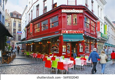 ANTWERP, BELGIUM - MAY 26, 2011: The cozy Italian restaurant with large outdoor terrace, located at the tourist street of city center, on May 26 in Antwerp.