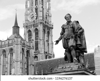 Antwerpen, Belgium - October 18, 2007: black and white picture of the statue of the artist Peter Paul Rubens in front of the cathedral Onze Lieve Vrouwe at Groenplaats