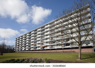 Apartment block from the 1970??s in a green environment.