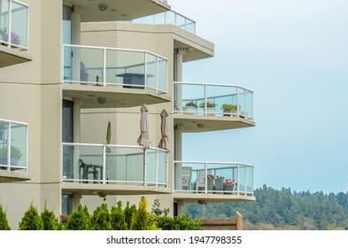 Edificios de apartamentos en Vancouver, Canadá. Arquitectura residencial.
