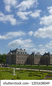 APELDOORN - MAY 23: The Royal Loo Palace as seen from the gardens May 23, 2010 in Apeldoorn, the Netherlands. Vertical photo