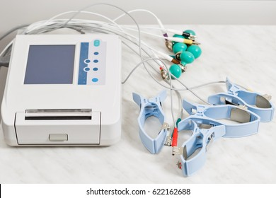 apparatus or device the unit of measurement of the electrocardiogram in a doctor's office