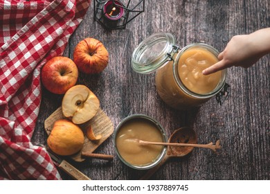 Appelsauce homemade with  3 apples