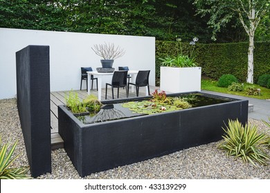 Jardin Moderne Images, Stock Photos & Vectors | Shutterstock