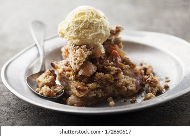 apple crumble with vanilla ice cream