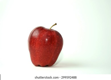 apple ,isolate on white background