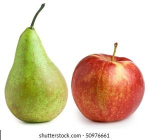 Apfel und Birne einzeln auf weißem Hintergrund
