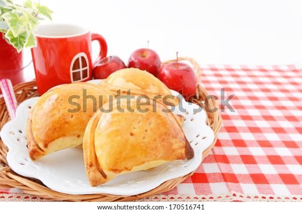 Apple pie and apple