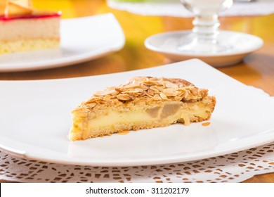 Apple pie with almond