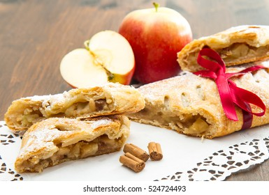 apple strudel with fresh apple and cinnamon