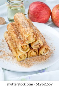 Apple Toast Roll-Ups