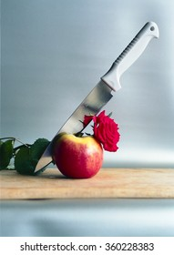 Apple whit knife