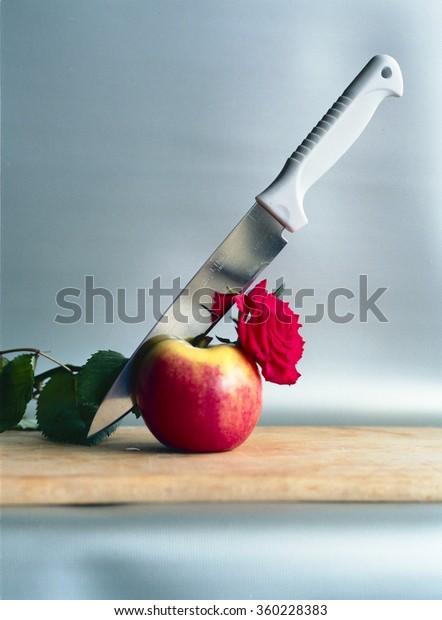 Apple whit knife