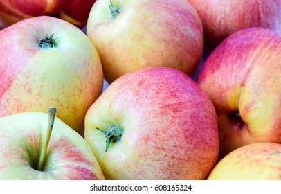 Apples with apples