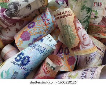 approach to Argentine banknotes and Uruguayan bills