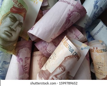 approach to peruvian banknotes and brazilian money