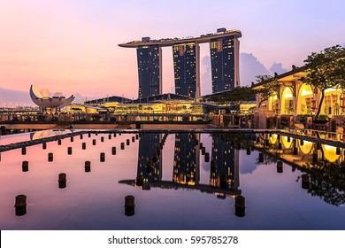 APRIL 07, 2014 SINGAPORE - Marina Bay Sands, Singapore landmark building reflection
