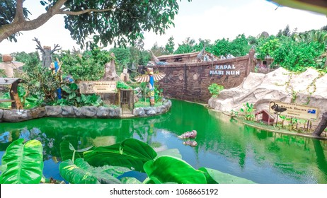 Batu Secret Zoo Images Stock Photos Vectors Shutterstock