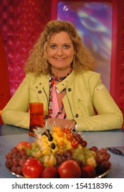 """APRIL 2, 2005 - BERLIN: Susanne Froehlich before a tv-production """"Blond am Freitag"""" (ZDF), Berlin."""