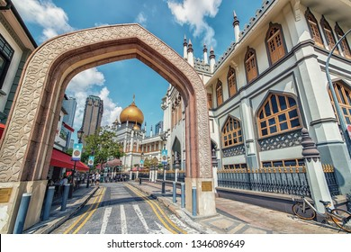 April 2018 - Singapore - Muscat street and Sultan mosque in Singapore city