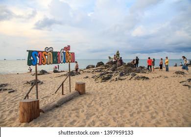 Hasil carian imej untuk samila beach