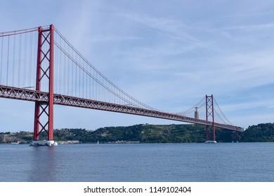 The April 25 Bridge