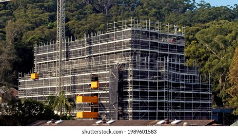 April 28, 2021. Construction progress update Photos. Installing concrete floor formwork on the top floors of new home units at 56-58 Beane St. Gosford.  Australia.