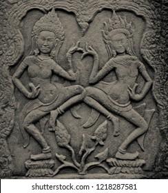 Apsara carving at Bayon temple