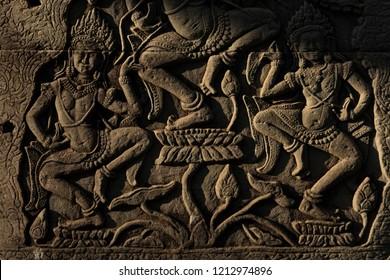 Apsara carvings at Bayon temple