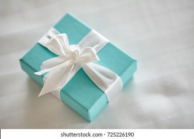 aqua present box