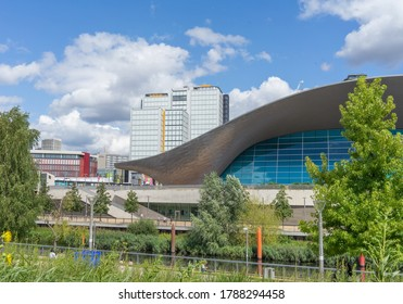 The aquatic leisure centre in Stratford on a sunny day. London - 2nd August 2020