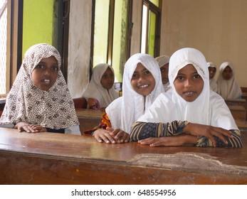 Arab Schoolgirls in the town of Akamat al-Mega. Yemen. 05.05.2014. Editorial.