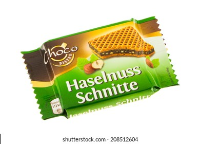 ARAD, ROMANIA - June 5, 2012: Choco Bistro Haselnuss Schnitte. Chocolate and hazelnut filled wafer produced by ALDI. Studio shot, isolated on white background.