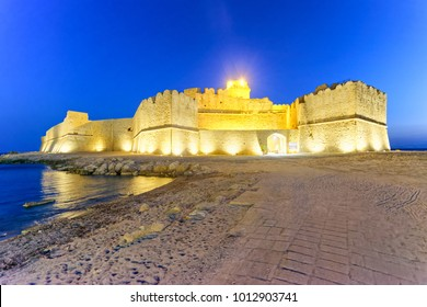 Aragonese Fortress in Calbria on a beautiful summer night, Italy.