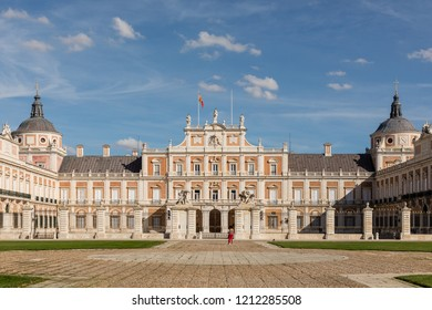ARANJUEZ, SPAIN -  OCTOBER 13, 2018: Facade of the royal palace of Aranjuez in the province of Madrid, OCT 13, 2018 in Aranjuez, Spain