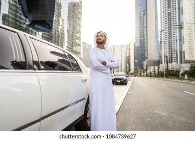 Ararabic businessman wearing kandora - Portrait of traditional emirati man