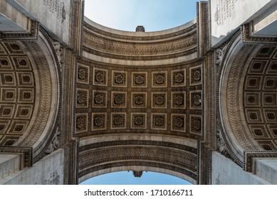 Arc de Triomphe in Summer, Paris/France