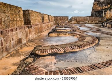 Arch floor pattern inside Castillo San Felipe del Morro made of bricks and stone
