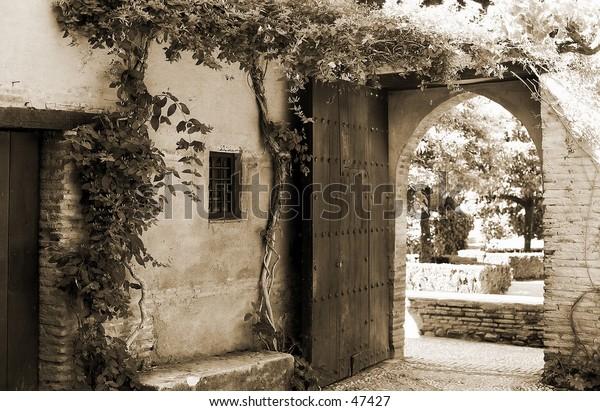 arch long Granada sepia