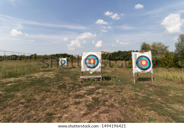 archery-targets-on-outdoor-sports-600w-1