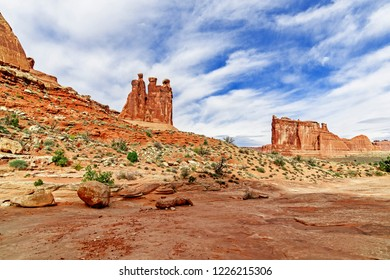 Arches National Park Park Avenue Courthouse Towers Three Gossips stand 350 feet tall