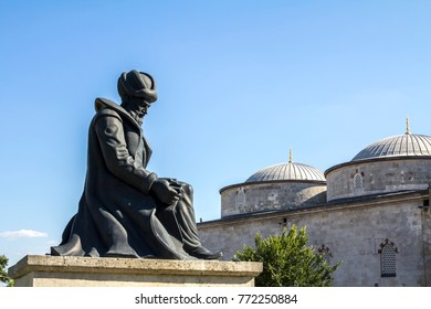 Architect Mimar Koca Sinan statue in Edirne, Turkey. The UNESCO World Heritage Site of the Selimiye Mosque, built by Mimar Sinan in 1575.