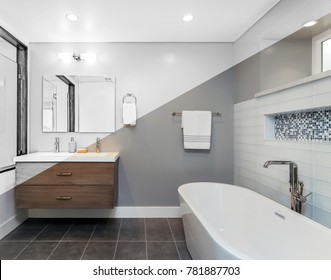 Architectural drawing of luxury bathroom -  Illustration Drawing diagonal Split screen to Photograph