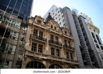 Architecture of buildings in busy Buenos Aires